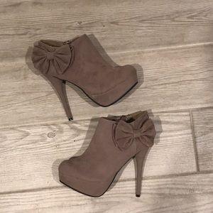 NEW Dollhouse Stiletto Platform Bow Bootie Shoes